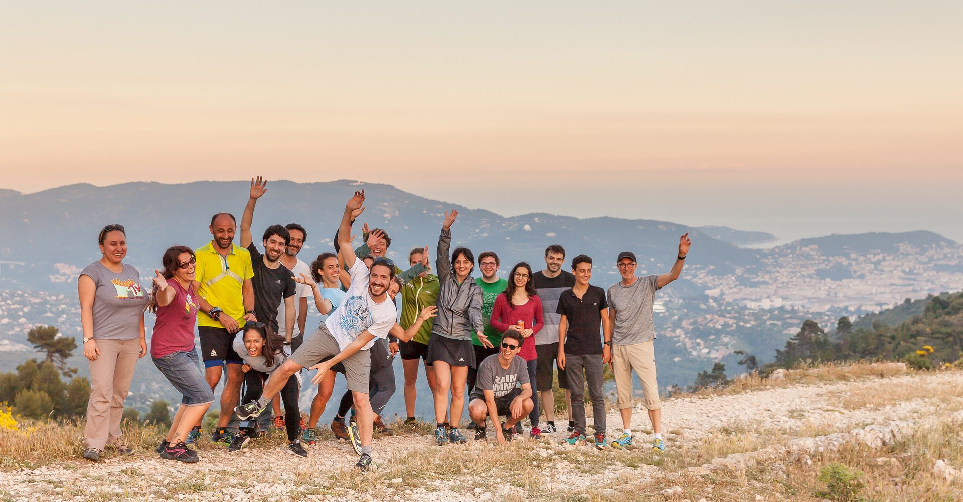 The iBV Running Club organized its first «Trail&Picnic» day at Mt Chauve !